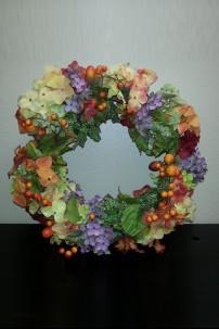 """Hydrangea Wreath Winter 23"""" Outer, 14"""" Base [GBE8177]"""