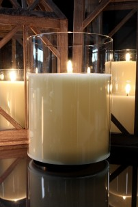 "PRE-ORDER 6""Dx8""H SIMPLY IVORY RADIANCE POURED CANDLE [478271]"