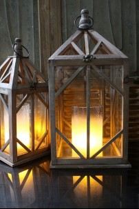 SET OF 2 WOOD SQUARE LANTERNS  [479373] SHIPS PALLET ONLY