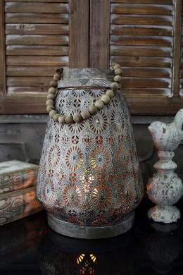 SMALL ROUND METAL LANTERN WITH BEADED HANDLE [479368]