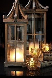 SET OF 2 WOOD SQUARE LANTERNS WITH DECORATIVE TOP  (479357) SHIPS PALLET ONLY