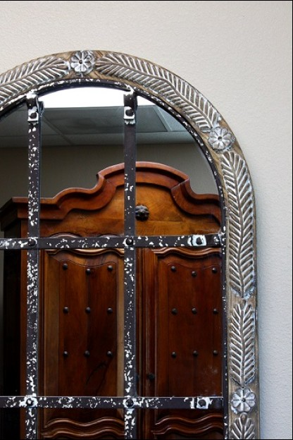 ARCHED MIRROR WITH CARVED WOODEN FRAME  [485399] SHIPS PALLET ONLY